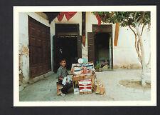 MEDINA de FES (MAROC) ENFANT au travail MARCHAND de FRIANDISES en 1989