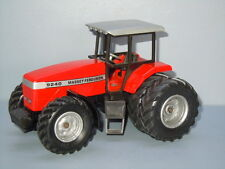 Massey Ferguson 9240 Tractor van Siku