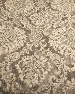 Nicole Miller King Quilt Gray White Medallions Reversible Stripes GUC Very Nice!