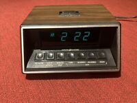 Vintage 80s GE LED Alarm Clock Wood Grain Plastic Case Model F1-8147-5 TESTED