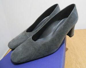 Stuart Weitzman Russell & Bromley textured grey suede court shoes US 8 UK 6 VGC