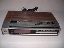 Vintage LED GE FM/AM Electronic Digital Clock Radio Model 7-46348- WOODGRAIN