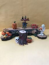 Halloween Decor/Lot of 7 Resin Halloween themed display