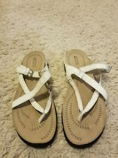 WOMENS ECCO LIGHT WHITE SANDALS WITH BUCKLE PATENT LEATHER SZ 41