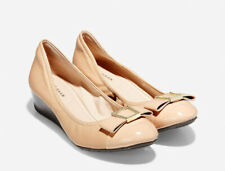 COLE HAAN ~ Emory BOW Wedge Pump NUDE 8 B NEW NWT