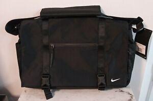 Nike Black Eugene Elite Premium Messenger Laptop Bag Crossbody Bag PBZ745-010