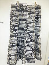 gorgeous Noni B Skirt black and white 8 panel A line sz 10 suit any occasion
