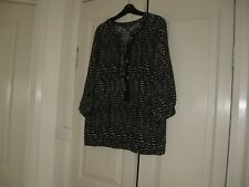 Ladies Top Size 14 Colour Black & Whit Design Capture  3/4 Sleeves  Viscose 100%