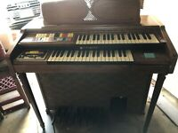 Vintage Hammond Organ 123 XL Model With Bench And Lamp Great Condition