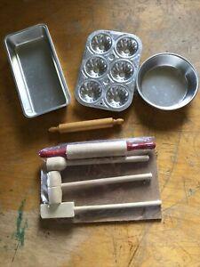 VTG Child's Pretend Play Kitchen Baking Set Cake Pans Rolling Pin Cutting Board
