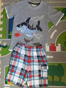 Jumping Beans nicht Next Jungen Outfit Shirt + Hose Gr. 110 -116 Neu
