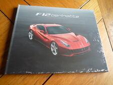 Brochure FERRARI F12 BERLINETTA : catalogue cartonné GB / IT