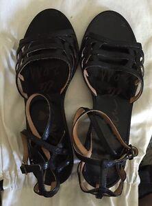 Lanvin Paris Black Ankle Strap Low Heel Sandals In Size 37-1/2