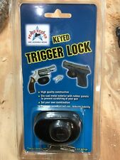 Gun Lock Rifle and Pistol Trigger by Peace Keeper With integrated stand