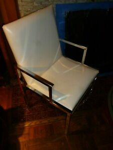 1970 Modern Chrome Frame, Vinyl cover Classic Chair. Great condition. USA made.