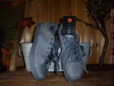 AND1 BOYS ATHLETIC SHOES SIZE 1 GRAY KIDS SCHOOL ATHLETIC SHOES CASUAL BASKETBAL