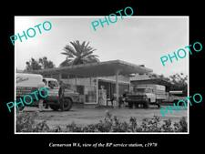 OLD LARGE HISTORIC PHOTO OF CARNARVON WA, THE BP OIL SERVICE STATION c1970