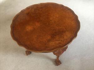 Pie crust Coffee table