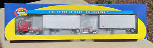 Athearn 91139 Graves Truck Lines Freightliner w/ Two 28' Trailers 1:87 Scale HO