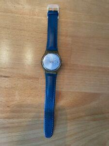 1 Swatch Armband-Uhr Damen gebraucht BATTERIE muss erneuert werden
