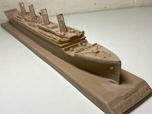 Large Rare Compulsion Gallery R.M.S TITANIC Resin Ocean Liner 50cm Long