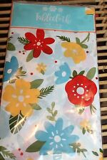 NEW NAPPE VINYL SINGLE USE TABLECLOTH  52 X 70 Party Easy Clean up Big Flowers