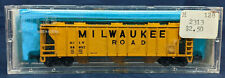 ATLAS 2313. MILWAUKEE 47' COVERED HOPPER CAR, YELLOW. vintage N Scale: