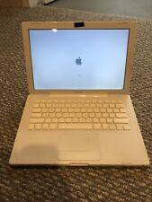 Apple MacBook A1181 Core 2 Duo 2GHz 1GB RAM 120GB HDD 13.3'' Mac OS Laptop
