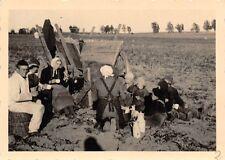 Soldaten Erntehilfe bei poln. Bauern Polen