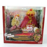 NEW Ever After High Fainting Couch NIB 2013 NEW Apple White Playset Bed Set M H