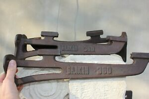 Four 4 Vintage, Cast iron bracket Shelf supply and hanging, Industrial hanger Co