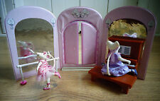 Unique Angelina Ballerina Miss Lilly's School of Ballet Playset and 2 dolls