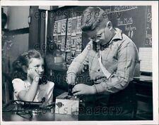 1947 Ohio School Children Work With Electronic Gadget Press Photo