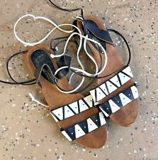 PREDICTIONS Brazil Black White Tribal Design Strappy Tie Leather Sandals Shoes 8