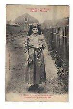 THE COAL MINE. WOMAN COAL SORTER.IN WORKING DRESS.old printed postcard