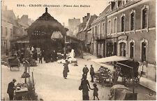 CRAON (53) - Place des Halles (le marché)