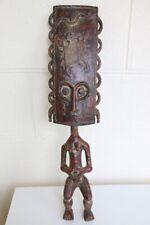 Statuette en bois africaine ; effigie féminine représentant la fertilité