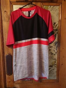 Specialized  black, grey and Red short sleeve mountain biking T shirt XL, VGC