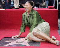 Queen Latifah UNSIGNED photo - G1274 - Hollywood Walk of Fame