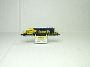 MICRO-TRAINS LINE Z SCALE SD40-2 LOCOMOTIVE ATCHISON,TOPEKA & SANTA FE 97001092