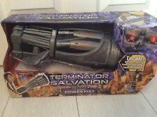 Terminator Salvación Deluxe Puño de alimentación de T-600 Nuevo En Caja