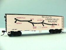HO Scale Model Railroad Trains Layout MRC Mantua Lehigh Valley Reefer Boxcar