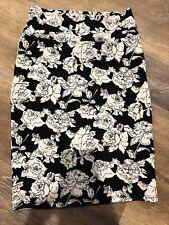 LuLaRoe Cassie Pencil Skirt Black White Rose Print Size S Stretch Roses Unicorn