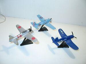 AVION militaire lot de 3 avions guerre du pacific, zero, corsaire, F4