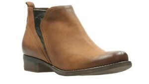 Clarks Ladies Tan Leather Boots Size UK 5 D