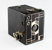 Kodak Beau Brownie No. 2, maroon,  for 120 film