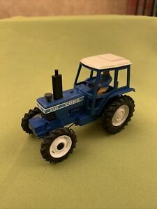 Britains Farm Ford 8210 Tractor Vintage 1/32 Model