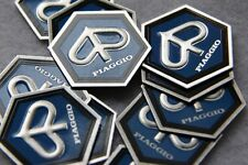 VESPA EMBLEM blau 6-eck Piaggio geklebt PX 80 125 150 200 PK 50 KASKAE Logo P E
