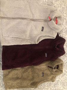 Lot Of Three Girls Patagonia Vests (12/large)