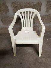 Chaise de jardin enfant en plastique blanc